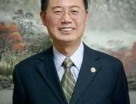 上海交通大学党委副书记,上海生产力学会名誉会长,教授、博导